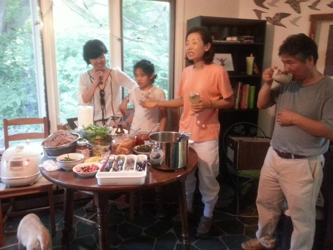 KD and Roy teach us the fundamentals of Korean cooking in the Octagon house.